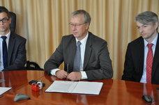 Podpisanie umowy z Wykonawcą na wdrożenie ZISZU, 11 października 2013
